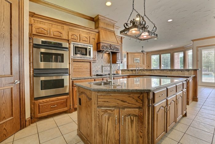 Chattanooga Kitchen & Bath Remodeling Service Solutions-CH8CA4~1-We do kitchen & bath remodeling, home renovations, custom lighting, custom cabinet installation, cabinet refacing and refinishing, outdoor kitchens, commercial kitchen, countertops, and more